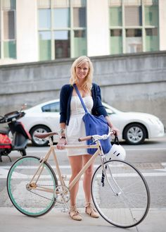 Great bike & bike style (via Bike Fancy)