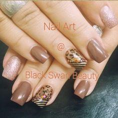Nail art with crystals