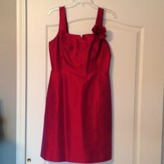 Liz Claiborne silk dress magenta Small sera below zipper loose in seam. Easy fix. It is NWT   100% silk Liz Claiborne Dresses