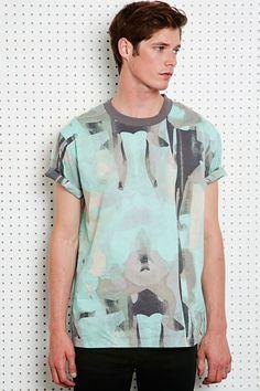 """628e9f6f3250 Cheap Monday """"Leonard"""" T-Shirt mit Farbspritzerdesign bei Urban Outfitters Cheap  Monday,"""
