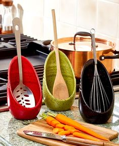 kitchen utensils The Speckled Spoon Rest lends a helping hand as you whip up your favorite meal. It holds spoons and other kitchen utensils while you're cooking. The handle is held in Kitchen Utensils, Kitchen Gadgets, Kitchen Storage, Kitchen Decor, Kitchen Design, Cabinet Storage, Kitchen Ideas, Kitchen Organizers, Kitchen Tables
