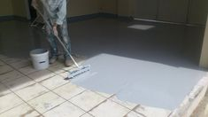 Epoxy Floors work best when your substrate is a hard and properly levelled concrete floor. But often in renovation projects, we need to coat over different types of surfaces. Grey Vinyl Flooring, Pine Wood Flooring, Industrial Flooring, Diy Concrete Stain, Stained Concrete, Concrete Floors, Metallic Epoxy Floor, Log Home Floor Plans, Polished Concrete