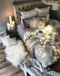 home cozy bedroom ideas; bedroom decor ideas for teens; Small and warm cozy bedroom ideas; Fall Bedroom, Comfy Bedroom, Small Room Bedroom, Couple Bedroom, Home Decor Bedroom, Bedroom Ideas, Bedroom Inspo, Master Bedroom, Bedroom Themes