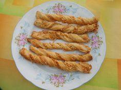 Recept Kroucené tyčinky Sausage, Bacon, Meat, Breakfast, Author, Raffaello, Morning Coffee, Sausages, Pork Belly