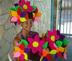 flores de espuma - chapéu de espuma | gorros goma espuma ... Crazy Hat Day, Crazy Hats, Foam Crafts, Diy Crafts, Drag Queen Costumes, Foam Wigs, Art For Kids, Crafts For Kids, Wig Party