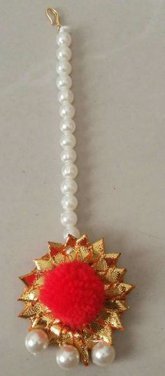 Haldi many tika Fabric Jewelry, Jewelry Art, Jewelry Design, Gota Patti Jewellery, Wedding Jewelry, Wedding Hair Accessories, Flower Rangoli, Jewelry Patterns, Craft Work