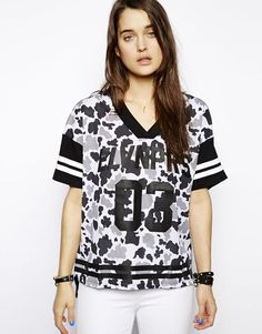 Eleven Paris Ladies V Neck T-Shirt in Camo Print Size XS UK 8/EU 36/US 4