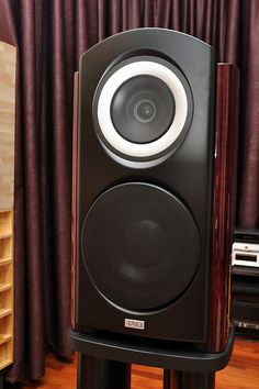 Pioneer TAD (Technical Audio Devices) Compact Reference CR1 loudspeaker
