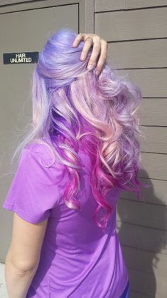 "7 Divine Photos Of Unicorn Hair That Give ""Pastel"" A Whole New Meaning"