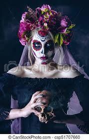 dia de los muertos la catrina – Google Søk Sugar Skull Makeup, Mexican Designs, Black Backgrounds, Halloween Face Makeup, Mexico, Stock Photos, Portrait, Fictional Characters, Google