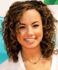 Beautiful curly layered haircut style ideas 59