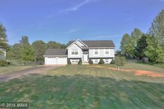 Open floor plan with cathedral ceilings! 25300 MOUNT STERLING COURT, MECHANICSVILLE, MD 20659 | somdrealestatenetwork.com #somdrealestate #realtorkimberlybean