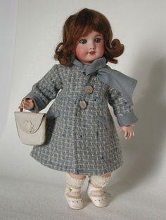 Une gentille Bleuette très bien habillée par Gautier-Languereau - LOVE!