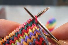k1p1 invisible bind-off tutorial | crankygrrrrrl Knitting Help, Knitting Stiches, Loom Knitting, Knitting Patterns Free, Knit Patterns, Knitting Socks, Crochet Stitches, Stitch Patterns, Hand Knitting