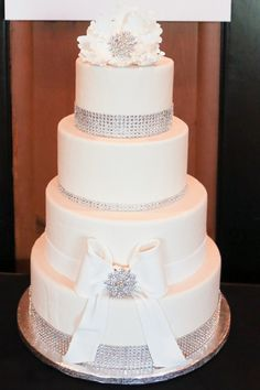 Bedazzled | The Wedding Planner & Guide's 2012 Wedding Trends Unveiled | CakeboxBakery.us | RedGeckoStudio.com