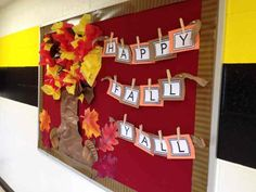 October Bulletin Boards- Ideas for bulletin boards and doors for October Here's a collection of PERFECT for the classroom bulletin boards and door decorations to keep up for the month of October. November Bulletin Boards, Thanksgiving Bulletin Boards, College Bulletin Boards, Bulletin Board Design, Halloween Bulletin Boards, Winter Bulletin Boards, Preschool Bulletin Boards, Classroom Bulletin Boards, Classroom Ideas