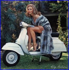 Elga Andersen, Calendario Piaggio, 1966 love the scooter! Take her off I want to be on it