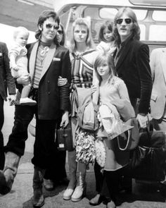 Stella, (born September Paul, Linda, Heather, & Mary in WINGS band member's arms. Beatles Love, Les Beatles, Beatles Art, Mary Mccartney, Paul Mccartney And Wings, Wings Band, Sir Paul, Step Kids, The Fab Four