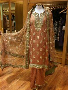 ritu kumar Red Lehenga, Party Wear Lehenga, Lehenga Choli, Anarkali, Pakistani Fancy Dresses, Pakistani Outfits, Indian Bridal Outfits, Indian Bridal Lehenga, Bollywood Outfits