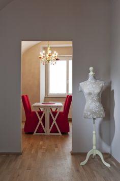 Die Freundliche! Mirror, Lighting, Furniture, Home Decor, Homes, Decoration Home, Light Fixtures, Room Decor, Mirrors