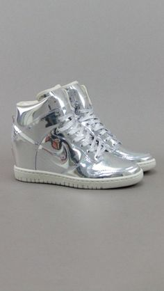 Nike dunk sky high liquid metal in silver. Need these