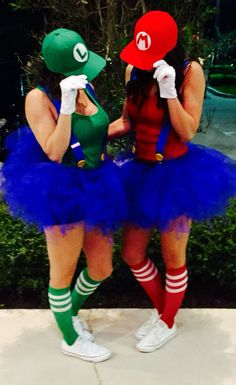 DIY Super Mario & Luigi Halloween Couple Costume Idea 6