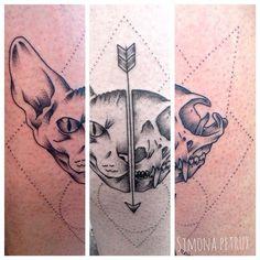 Sphynx tattoo Dotwork Eseguito allo SweetMamba Tattoo Studio di Roma Per info simona.petrux@gmail.com https://www.facebook.com/simona.petrux #tattoo #dotwork #tatuaggio
