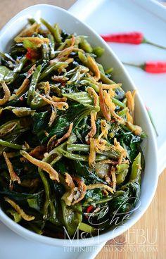 kangkung belacan pedas A Food, Good Food, Food And Drink, Asian Vegetables, Veggies, Indonesian Cuisine, Indonesian Recipes, Malay Food, Pork Bacon