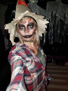 Halloween Dead scary scarecrow Halloween costume It's Time To Select Your Snow Blower A snow blower Scarecrow Costume Women, Halloween Costumes Women Scary, Halloween Costumes Scarecrow, Scarecrow Makeup, Halloween Costume Contest, Halloween Makeup Looks, Halloween Kostüm, Costume Ideas, Tutu Costumes
