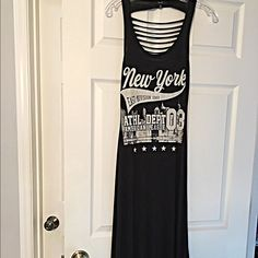 Amazing knit shredded back graphic dress! Super cool New York graphics- NWOT - never worn- soft knit material- shredded back! Dresses Maxi