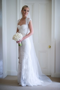 Monique Lhuillier - Fishtail - Ivory - Size 6 wedding dress for sale in The Ponds, New South Wales | Still White Australia