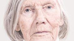 Dementia - een aangrijpende fotoserie van Aorta - more images on http://on.dailym.net/2lenfJD #Aorta, #Dementia, #Fotografen, #Gothenburg