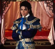 Michael Jackson the King of Pop ❤ Michael Jackson Wallpaper, Lisa Marie Presley, Jackson Family, Jackson 5, Michael Fassbender, Anushka Sharma, Paris Jackson, Ranbir Kapoor, Hrithik Roshan