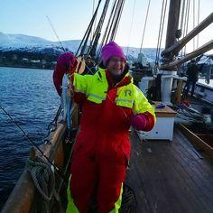 Super ettermiddag ombord i #Storeggen ☀️ #fisketur #borgundfjorden #litetorsk men #morro likevel #sunnmøremuseum #historie #brukbyendin #tradisjon #fishing #cold but #beautiful #visitnorway #visitalesund #fjordnorway #sea2fjord #nyttiuka #bankskøyta #stråleby #bypatrioten #myhometown #aalesund #norway ☀️