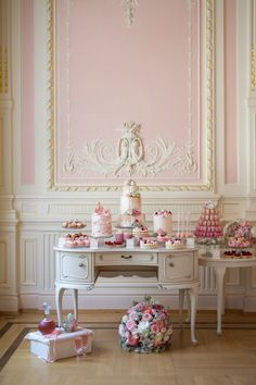 Bad Schwalbach, Interior And Exterior, Interior Design, Vintage Room, Marie Antoinette, Pink Room, French Interior, My Dream Home, Beautiful Homes
