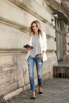 Fashion Cognoscente: Fashion Cognoscenti Inspiration: Denim Days Street Style