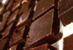 Házi csokoládé Condensed Milk Cake, Muffin, Candy, Chocolate, Sweet, Desserts, Food, Minden, Easter