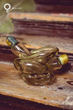 PRIMERO: Elegimos el frasco de vidrio que más nos guste, nosotros hemos elegido este conjunto de bombillas decorativas que quedan muy chulas!