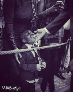This pic is touching. #Embargo  Medium.com -Why I Created #ObamaAndKids  THURSDAY February 18 2016. #WhiteHouse. #WashingtonDC.President Barack Obama was about to enter the room when I noticed a young boy standing next to me dressed in a jacket and tie looking to get to the front of the crowd. This would be the last Black History Month celebration at The White House during the presidency of the first African-American in the history of The United States to hold the highest office in the land…