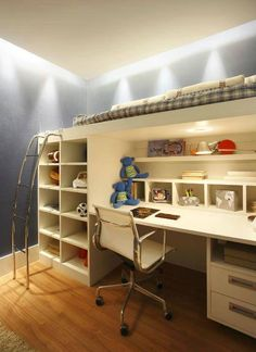 Cama alta con escritorio integrado