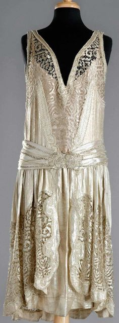 Mariage - Charleston Robe 1920 - Superbe Détail                                                                                                                                                                                 Plus