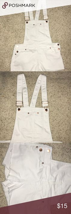 short white overalls with rose gold buttons Tinseltown white, cut off short overalls. Worn once, perfect condition Tinseltown Jeans Overalls