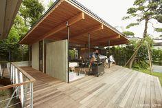 大きな屋根のBBQハウス|HouseNote(ハウスノート)