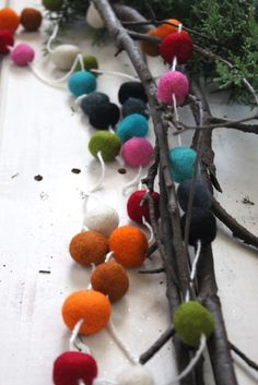 Multi-colored garland for a bohemian christmas!