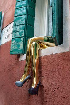 Louis Vuitton Installation flagship Venice @bocadolobo