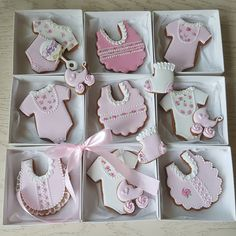 Baby Girl Cookies, Baby Boy Cakes, Cookies For Kids, Fancy Cookies, Baby Shower Cookies, Iced Cookies, Baby Shower Winter, Baby Boy Shower, Baby Shower Souvenirs