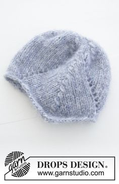 Milian / DROPS Baby - Knitted beanie with lace pattern for babies. : Milian / DROPS Baby – Knitted beanie with lace pattern for babies. The work is knitted in DROPS Air. Baby Knitting Patterns, Baby Booties Knitting Pattern, Baby Hats Knitting, Knitting For Kids, Knitting Designs, Baby Patterns, Free Knitting, Knitted Hats, Drops Design
