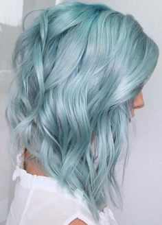 Awesome 36 Stylish Hair Color Ideas In More at www. - - Awesome 36 Stylish Hair Color Ideas In More at www. How to Use Dry Shampoo Dry Shampoo Tips DIY Tutorial Best Highlights Wonderf. Light Auburn Hair Color, Hair Colour For Green Eyes, Color Your Hair, Hair Color For Black Hair, Cool Hair Color, Grey Hair, Hair Colors, Brown Hair, Cool Blonde Hair