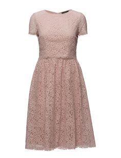 Vi har Esprit Collection Dresses Light Woven (Dusty Nude) i lager på Boozt.com, för enbart 839.30 kr. Senaste kollektionen från Esprit Collection. Shoppa tryggt & säkert, snabb leverans.