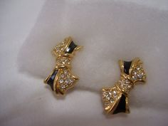 Retro Bow Shaped Earrings Clip Black Enamel and by ARubyInTheRough